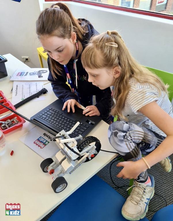 BRICKS-4-KIDZ-melbourne-january-Holiday-Workshops-Programs-LEGO-Robotics-Coding-Kids-Fun