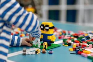 bricks-4-kidz-minion-model-build-fun-camp-school-holidays