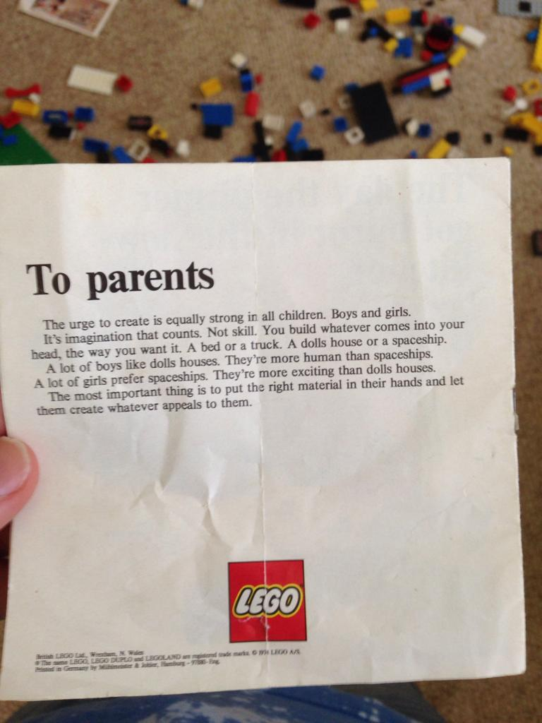 We think these LEGO® instructions from 1974 are AWESOME (and yes, they're real!)