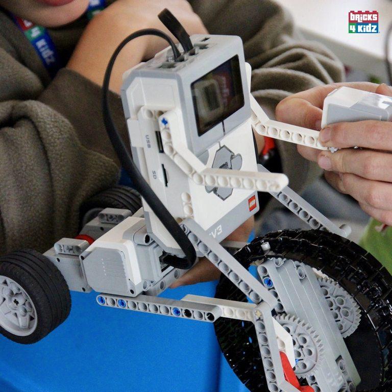 Coding with Robotics using LEGO® WeDo® and MINDSTORMS® EV3