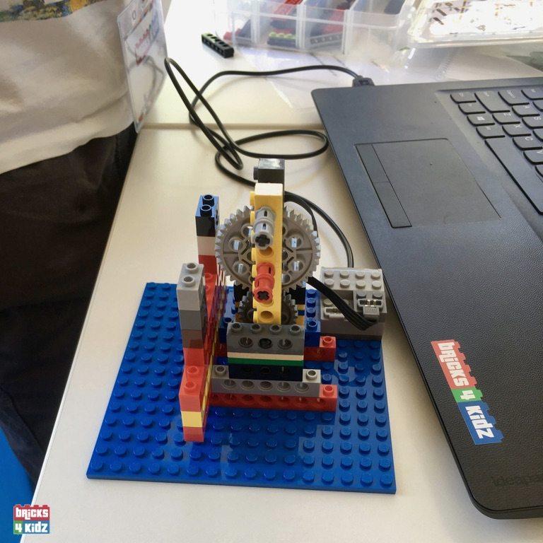 18 BRICKS 4 KIDZ North Shore Sydney | Crows Nest, Mosman, North Sydney, Willoughby, Gordon, St Ives | LEGO Robotics Coding Fun STEM | School Holiday Activities Workshops Programs