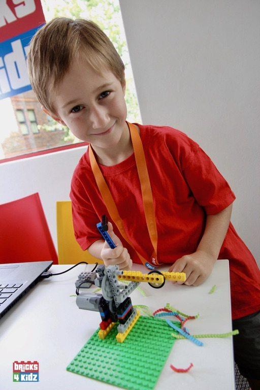 25 BRICKS 4 KIDZ North Shore Sydney | Crows Nest, Mosman, North Sydney, Willoughby, Gordon, St Ives | LEGO Robotics Coding Fun STEM | School Holiday Activities Workshops Programs