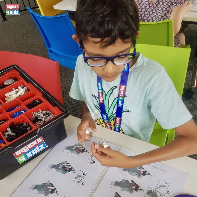 10 BRICKS 4 KIDZ Sydney - Crows Nest, Mosman, North Sydney, Willoughby, Gordon, St Ives - LEGO Robotics Coding Fun STEM - Summer School Holiday Activities Workshops Programs