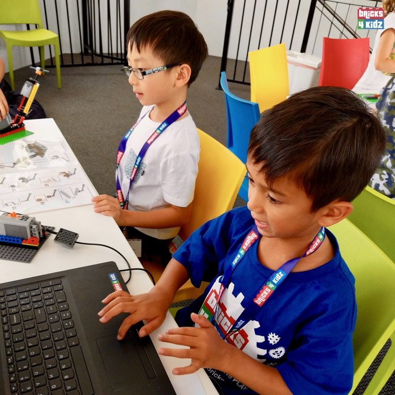 12 BRICKS 4 KIDZ Sydney - Crows Nest, Mosman, North Sydney, Willoughby, Gordon, St Ives - LEGO Robotics Coding Fun STEM - Summer School Holiday Activities Workshops Programs