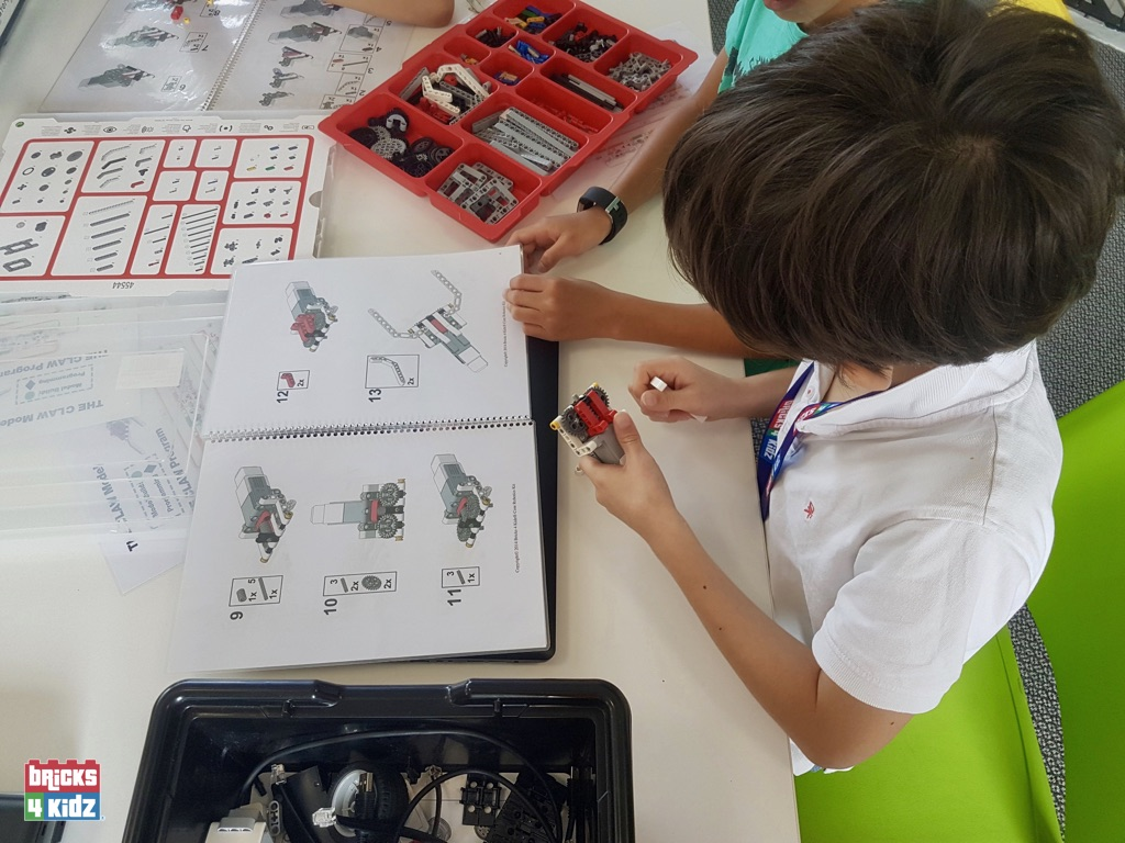 3 BRICKS 4 KIDZ Sydney - Crows Nest, Mosman, North Sydney, Willoughby, Gordon, St Ives - LEGO Robotics Coding Fun STEM - Summer School Holiday Activities Workshops Programs