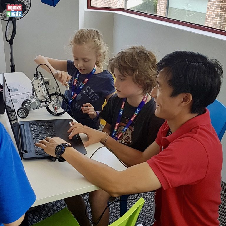 4 BRICKS 4 KIDZ Sydney - Crows Nest, Mosman, North Sydney, Willoughby, Gordon, St Ives - LEGO Robotics Coding Fun STEM - Summer School Holiday Activities Workshops Programs