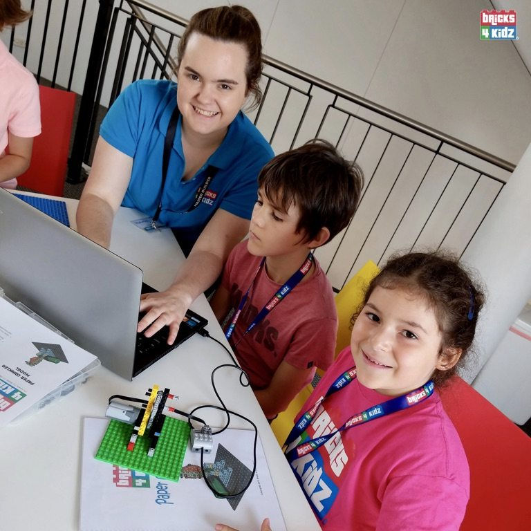 7 BRICKS 4 KIDZ Sydney - Crows Nest, Mosman, North Sydney, Willoughby, Gordon, St Ives - LEGO Robotics Coding Fun STEM - Summer School Holiday Activities Workshops Programs