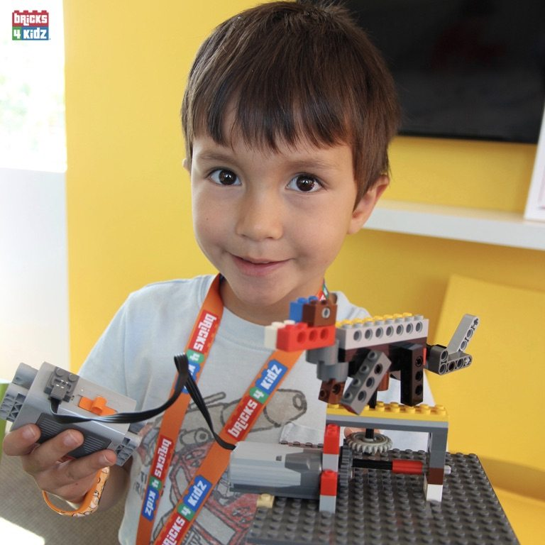 12 BRICKS 4 KIDZ North Shore - Crows Nest, Mosman, North Sydney, Willoughby, Gordon, St Ives - LEGO Robotics Coding Fun STEM Summer School Holiday Activities Workshops Programs