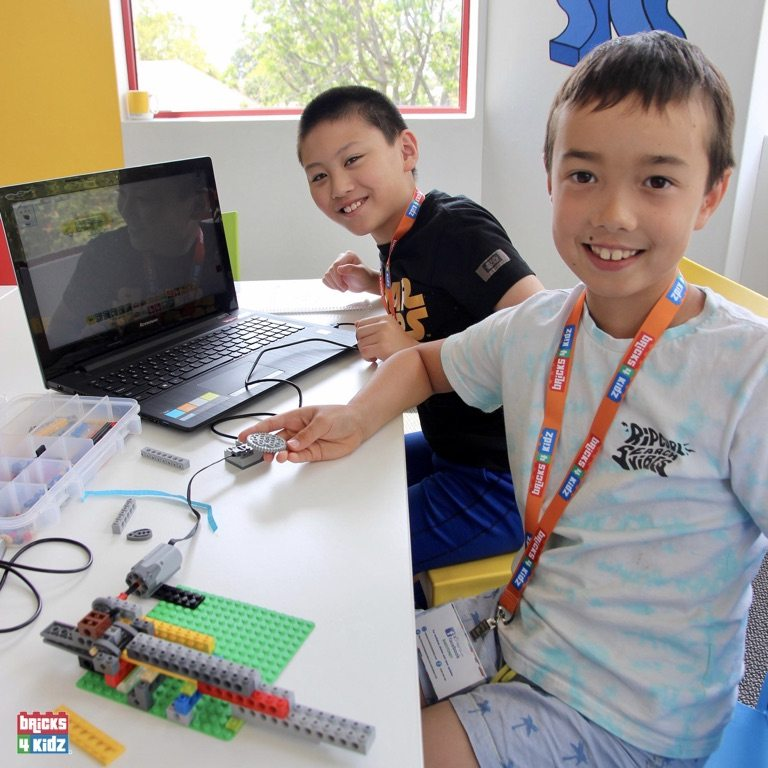 17 BRICKS 4 KIDZ Sydney, Crows Nest, Mosman, North Sydney, Willoughby, Gordon, St Ives - LEGO Robotics Coding Fun STEM - Summer School Holiday Activities Workshops Programs