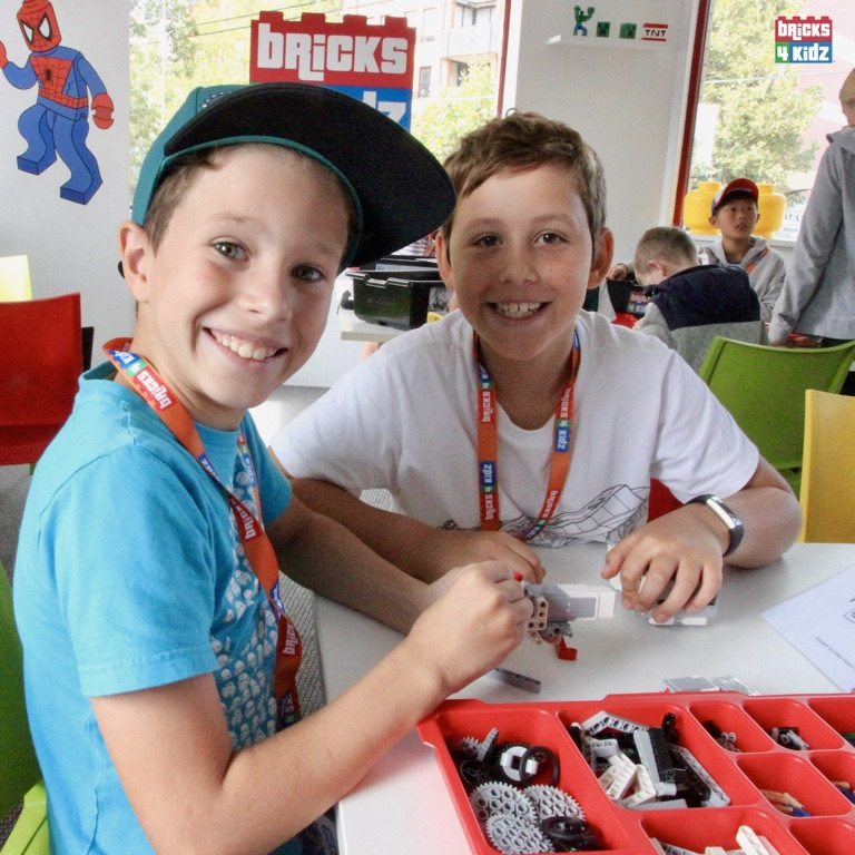 18 BRICKS 4 KIDZ North Shore - Crows Nest, Mosman, North Sydney, Willoughby, Gordon, St Ives - LEGO Robotics Coding Fun STEM Summer School Holiday Activities Workshops Programs