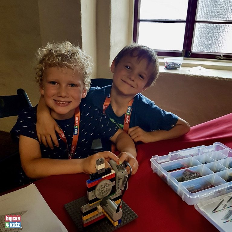 21 BRICKS 4 KIDZ Sydney, Crows Nest, Mosman, North Sydney, Willoughby, Gordon, St Ives - LEGO Robotics Coding Fun STEM - Summer School Holiday Activities Workshops Programs