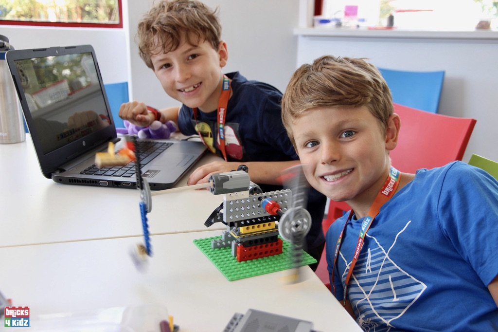 24 BRICKS 4 KIDZ Sydney, Crows Nest, Mosman, North Sydney, Willoughby, Gordon, St Ives - LEGO Robotics Coding Fun STEM - Summer School Holiday Activities Workshops Programs
