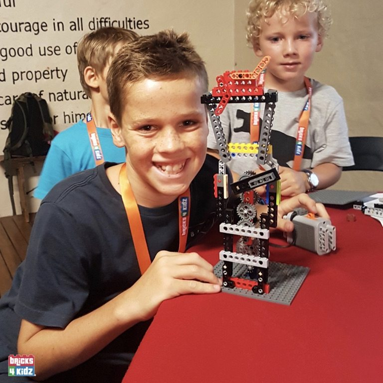 26 BRICKS 4 KIDZ North Shore Sydney | Crows Nest, Mosman, North Sydney, Willoughby, Gordon, St Ives | LEGO Robotics Coding Fun STEM | Summer School Holiday Activities Workshops Programs