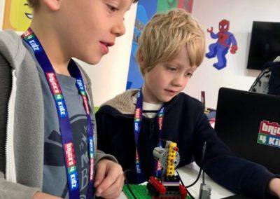 2 BRICKS 4 KIDZ - LEGO School Holiday Workshops Robotics - Crows Nest Gordon Mosman Willoughby - Fun Kids STEM Near Me