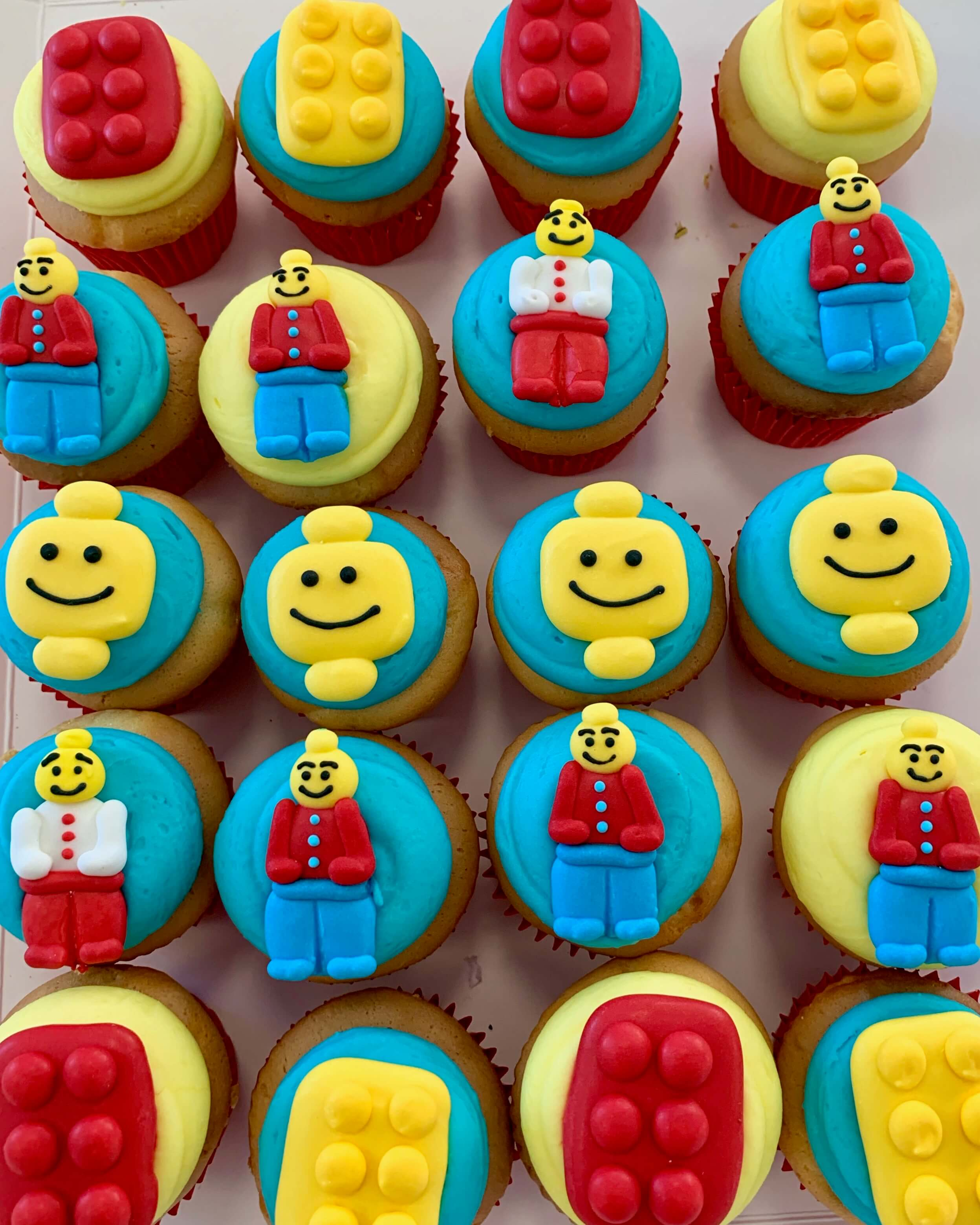 BRICKS 4 KIDZ | Kids Brthday Party Venue Food | LEGO Cupcakes 2