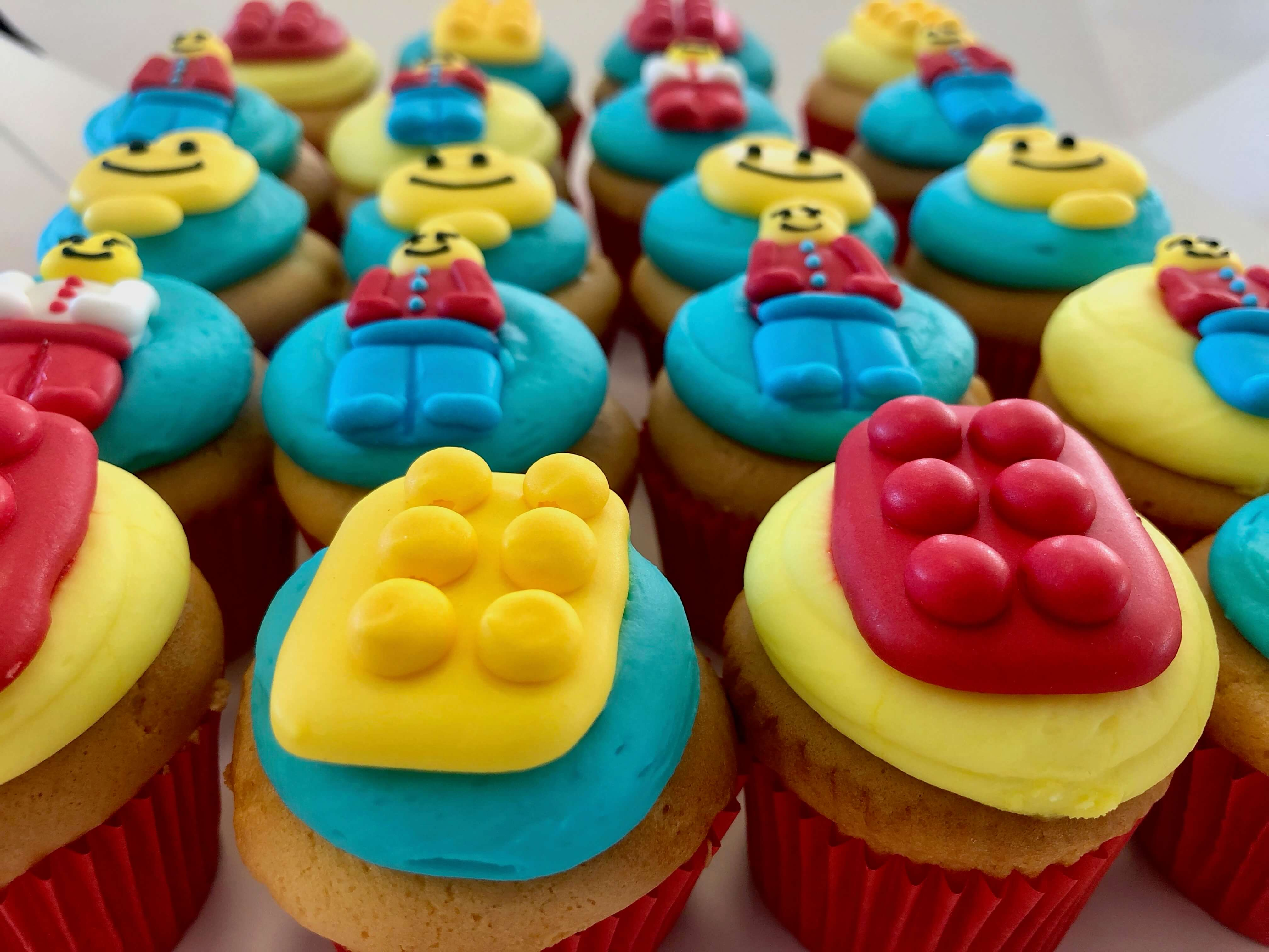 BRICKS 4 KIDZ | Kids Brthday Party Venue Food | LEGO Cupcakes 3