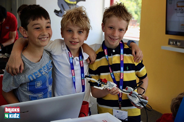 BEST SCHOOL HOLIDAY ACTIVITY? COOL ROBOTICS FOR SYDNEY KIDS!