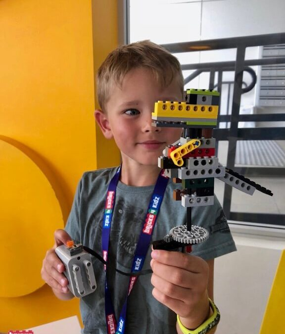 Come BUILD with us Across Australia at our Autumn Holiday Programs with LEGO, Coding and Robotics! 🍁 ❤️ 🚀 🇦🇺